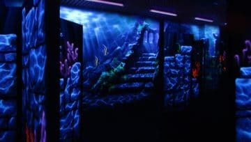 Лазертаг-лабиринт Атлантида в Сургуте